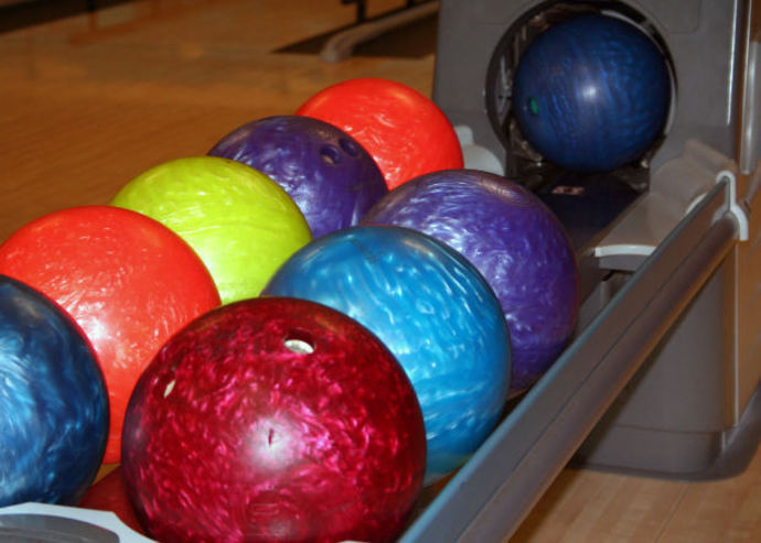 bowling alley, bowling balls