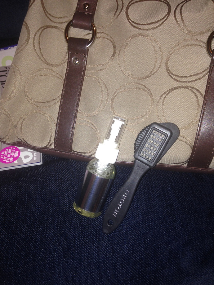 cleaning your handbag, how to clean your bag