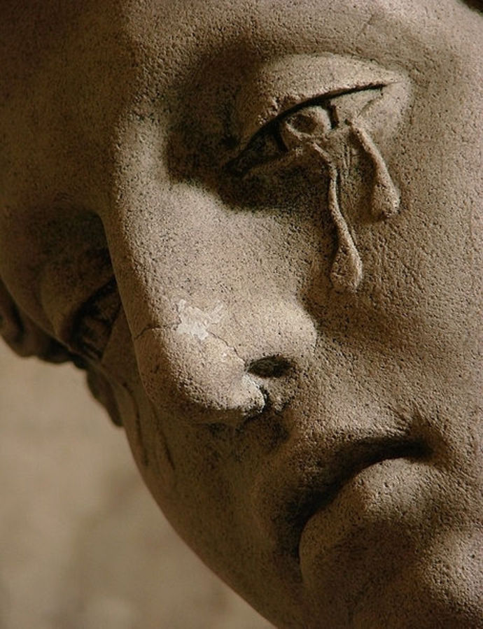 crying statue, Mary Magdelene