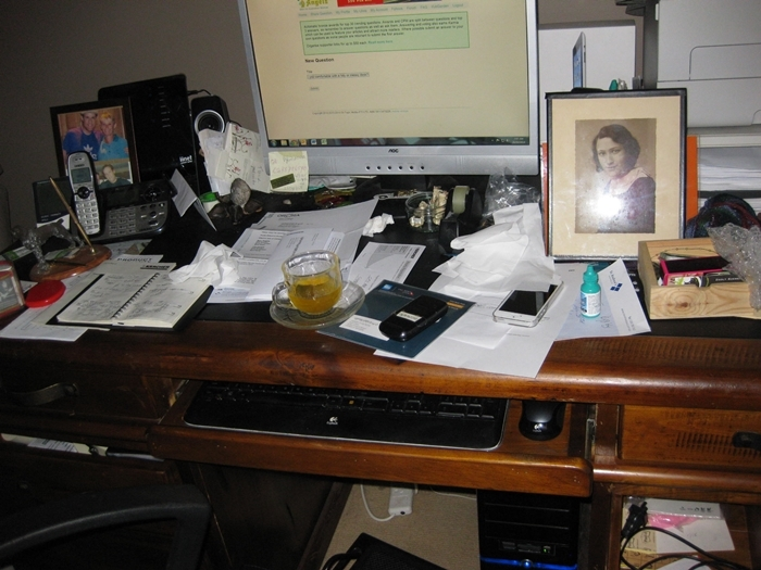 desk  - Is your desk tidy or messy?