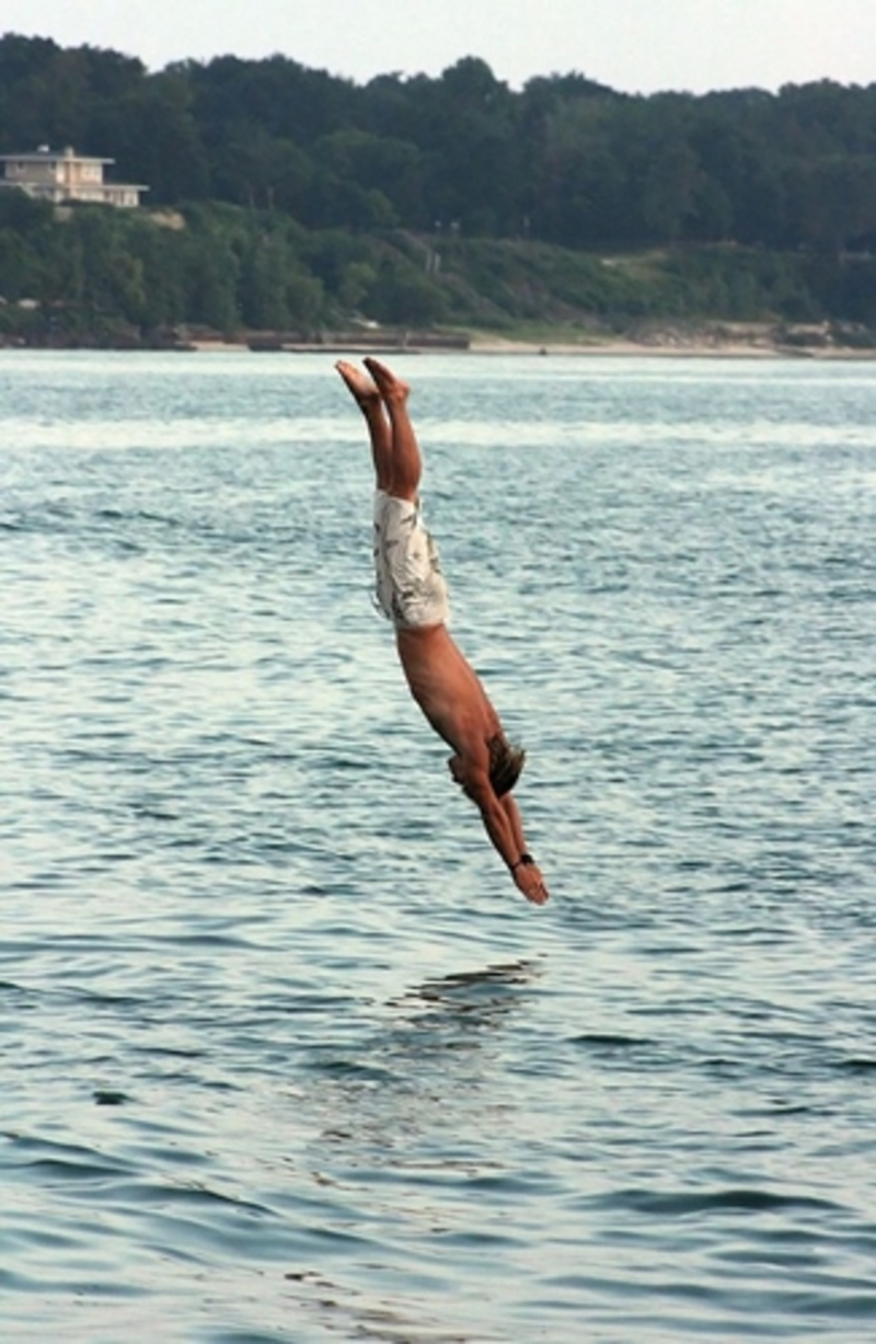 Are You Able To Do A Proper Dive Into The Water Answer