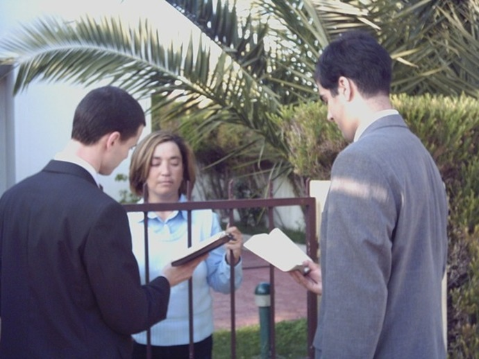 door to door preachers, Jehovah's witnesses