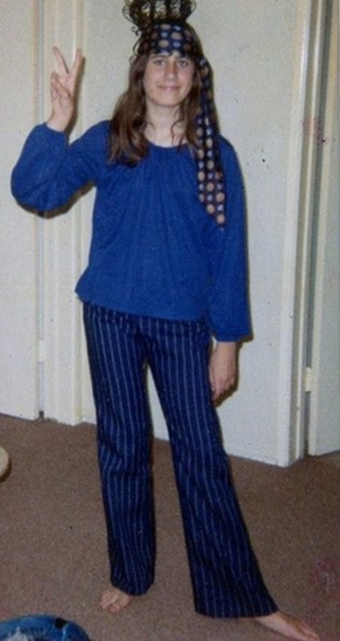 Bell bottom Jeans/pants used to be in fashion -do you still have any, and  do you wear them?