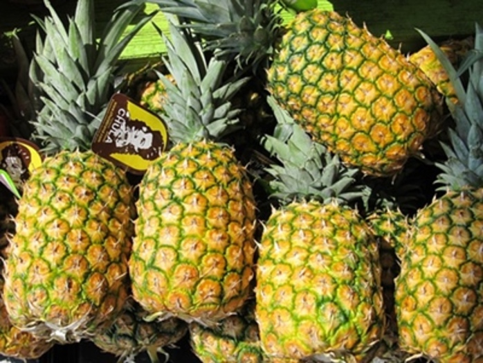 do,you,buy,fresh,pineapples,or,use,the,tinned,variety