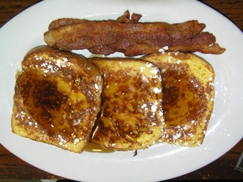 do,you,make,french,toast,and,what,do,you,put,on,it