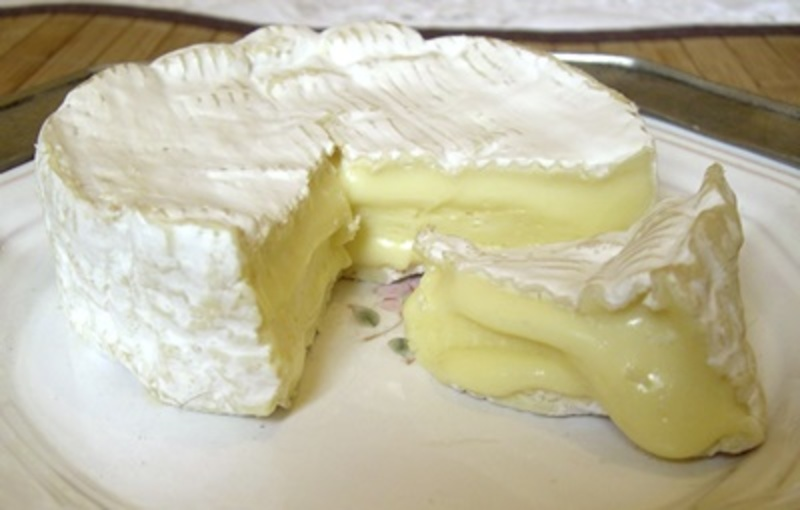 do,you,prefer,Camembert,or,Brie