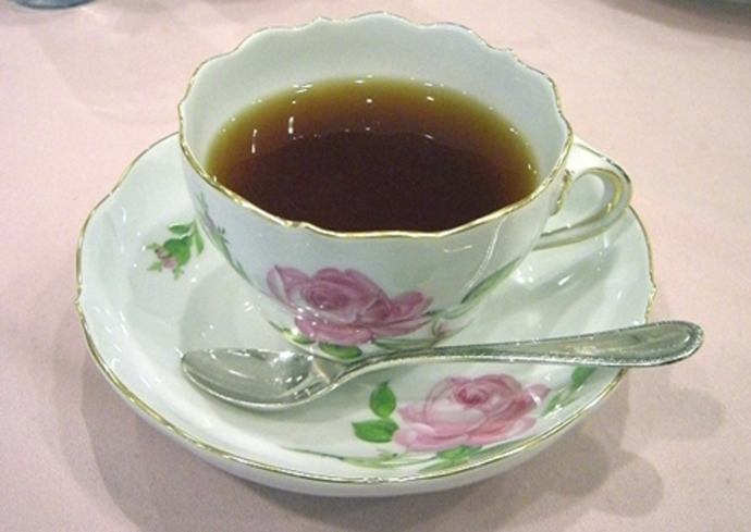 do,you,prefer,tea,in,china,cup
