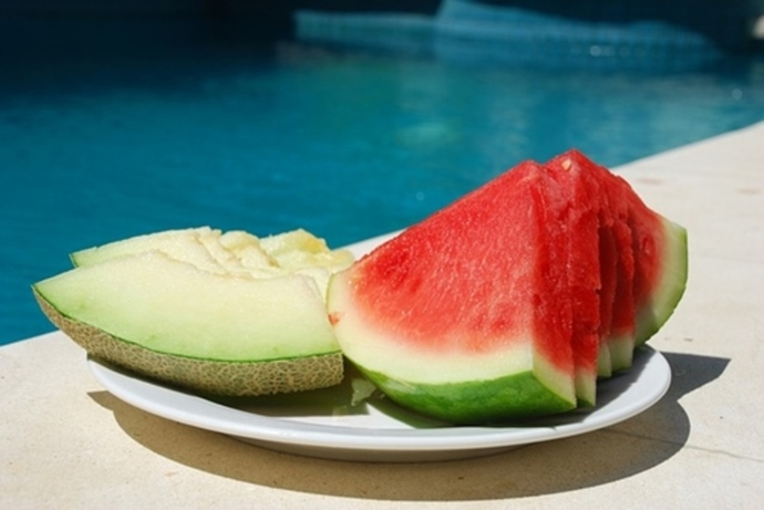 do,you,prefer,watermelon,or,rockmelon