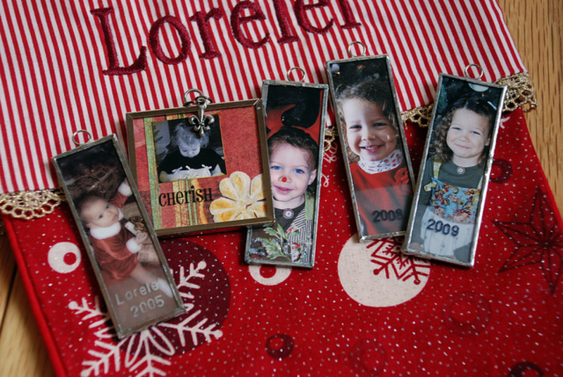 gift  - Do you have any personalized photo gifts?