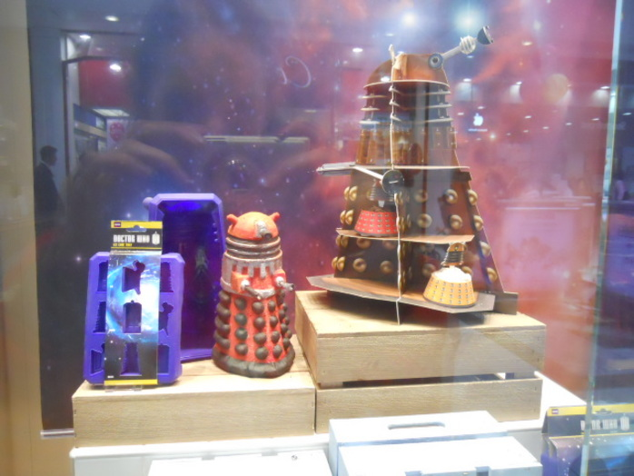 lakeland, dr who, cake tins