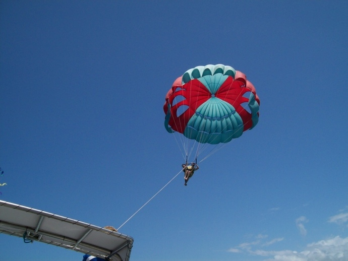 parasailing, paraflying