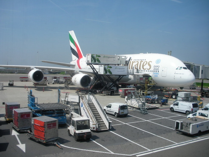 plane,airport,cargo,emirates,ramp