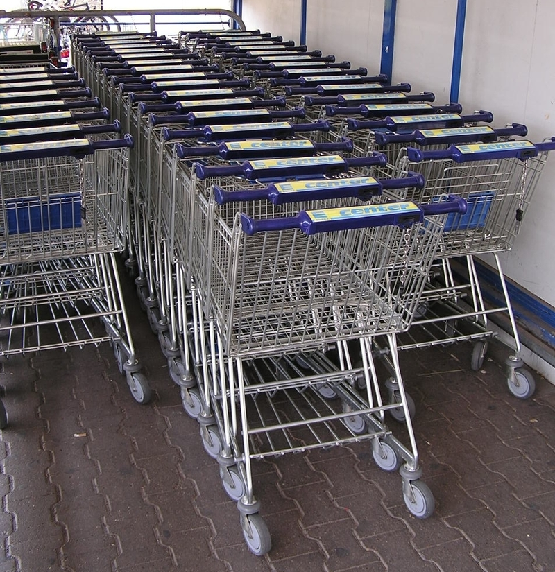 Shopping trolleys  - Do you do your groceries at the same time?