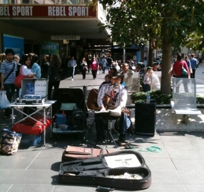 A street artist in Melbourne