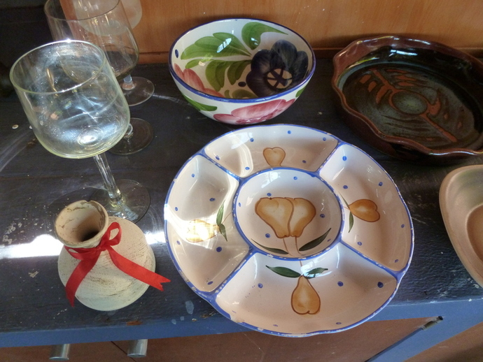Used kitchen ware