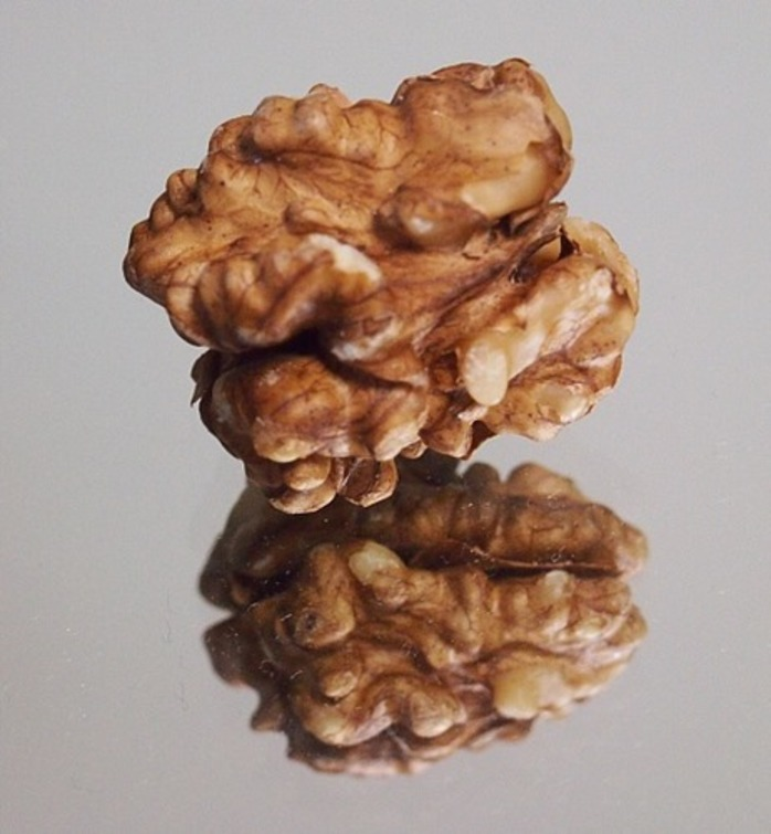 walnuts,or,almonds,which,do,you,prefer,as,a,snack