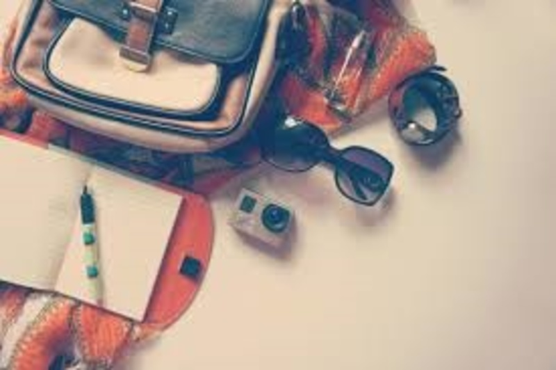what,are,the,basics,you,carry,in,your,bag