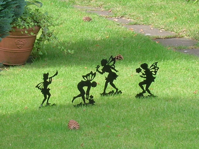 Cottingley garden fairies hoax photos Facebook