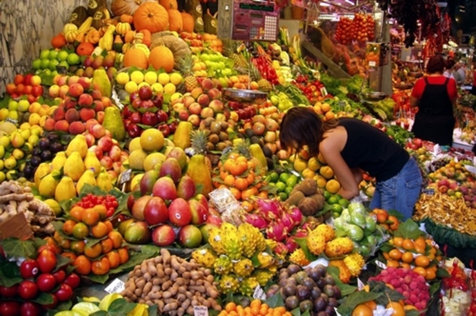 do,you,buy,your,fruit,from,supermarket,or,specialised,fruit,shop