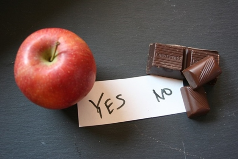 do,you,prefer,apple,or,chocolate  - Which one of these would you rather eat?