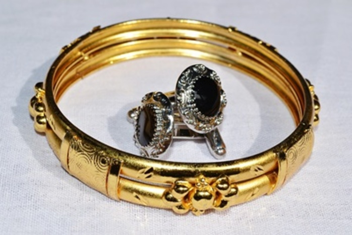 do,you,prefer,silver,or,gold,jewellery