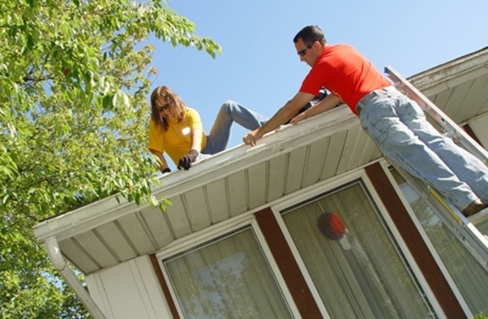 how,often,do,you,clean,your,house,gutters
